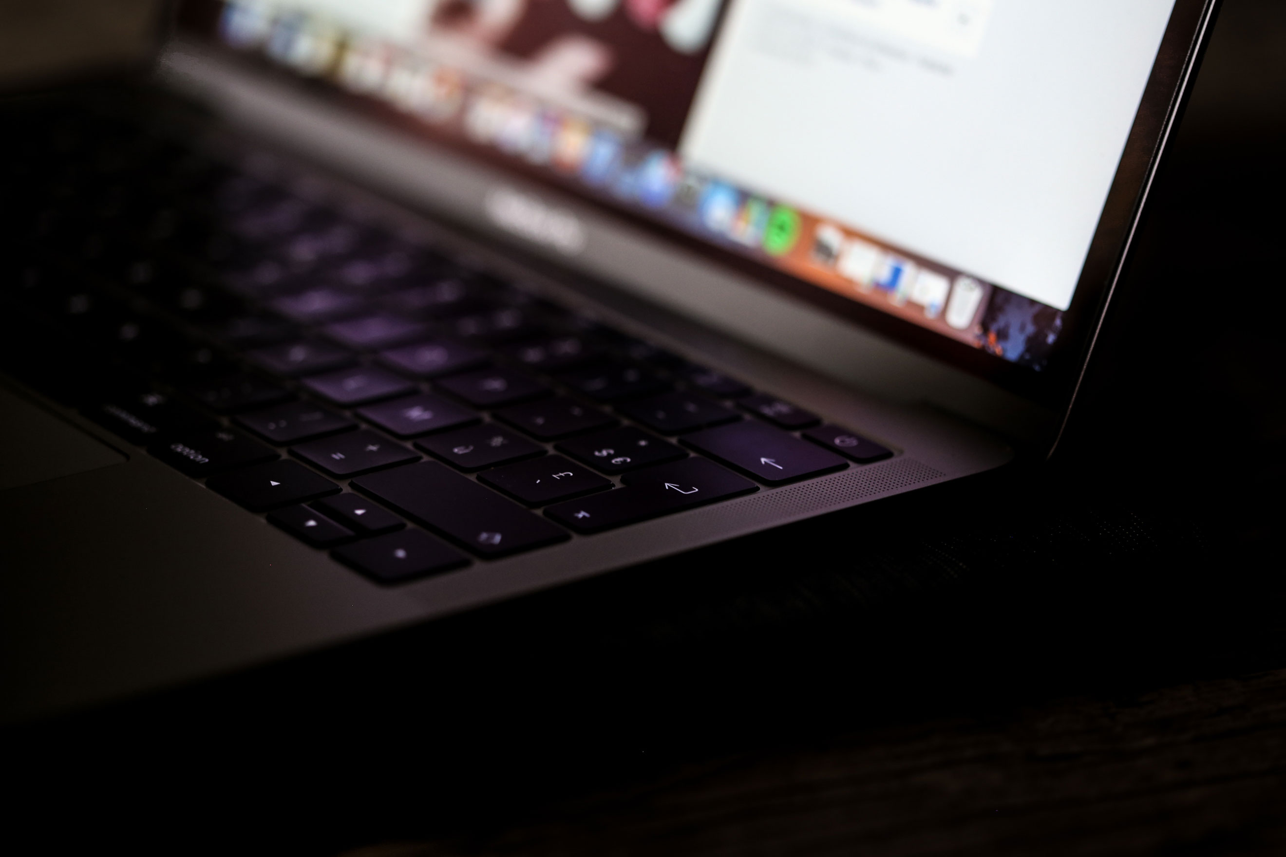 Laptop-Web.jpg